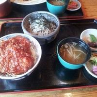ソースカツ丼・そば きりの実の写真
