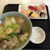勢登鮨 八食センター支店の写真