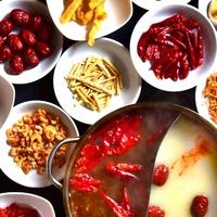 本格的香港料理と火鍋担々麺の店 クーロンの写真