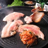豚熟 熟成豚肉サムギョプサル専門店の写真