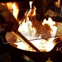 藁焼きと鮮魚の枡盛り 月夜に遊ぶ。の写真