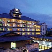 信州・上諏訪温泉 琥珀色の自家源泉を持つ宿「ホテル鷺乃湯」の写真