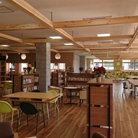 小林市役所教育委員会 社会教育課TENAMUビル交流スペースの写真