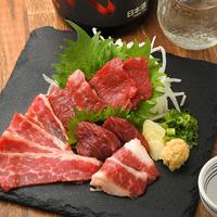 日本のお酒と馬肉料理 うまえびすの写真