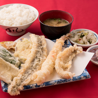 だるまの天ぷら定食 吉塚本店の写真