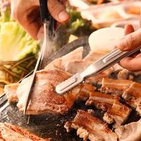 生サムギョプサル食べ放題×飲み放題 豚かん 新宿店の写真
